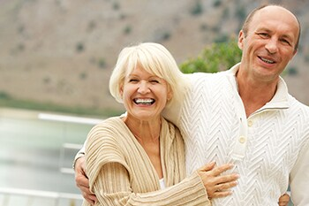 Laughing couple enjoying the benefits of COPD therapy