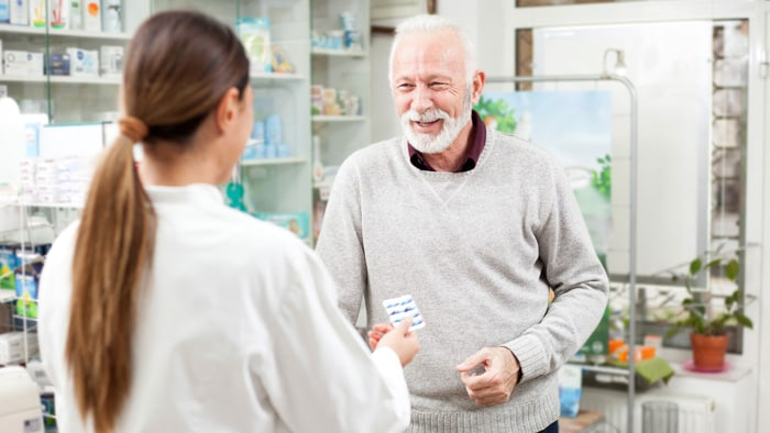 9 things to discuss with your pharmacist about your COPD meds