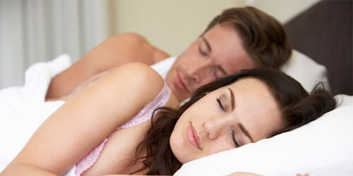 Making different sleep schedules work for couples