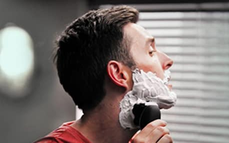 How to wet shave with a rotary shaver