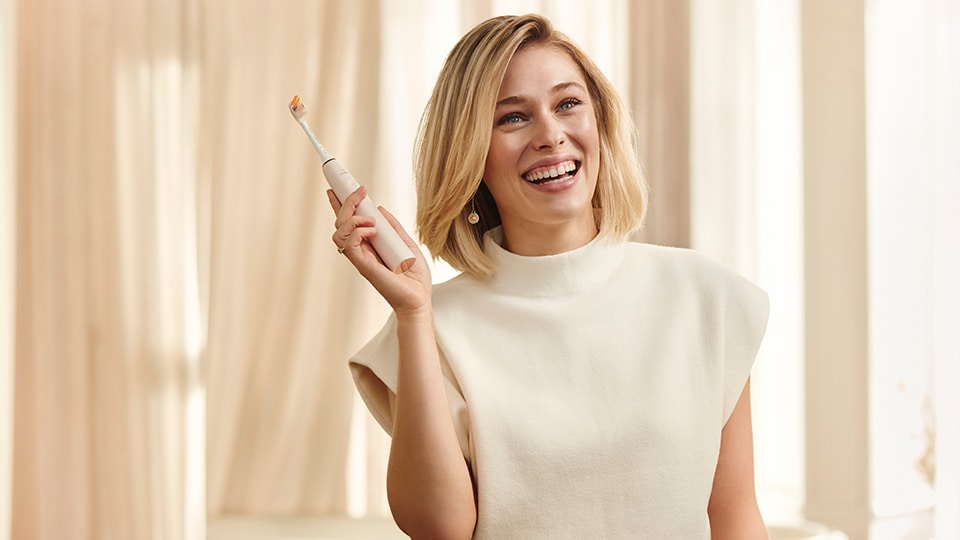 Philips Sonicare DiamondClean Smart electric toothbrush, product video