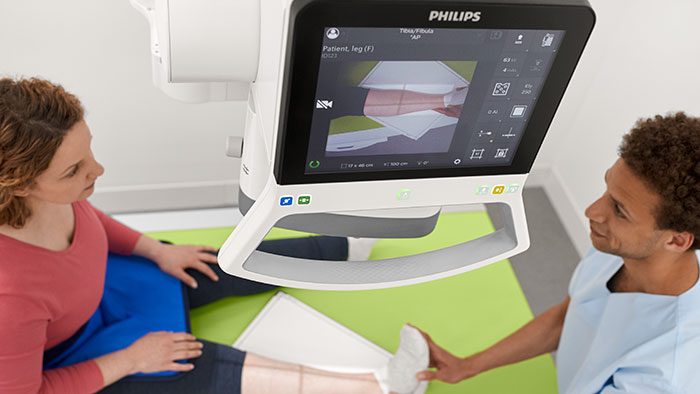 Philips receives U.S. FDA 510(k) clearance to market DigitalDiagnost C90 digital radiography system with industry's first live camera image at the tube head