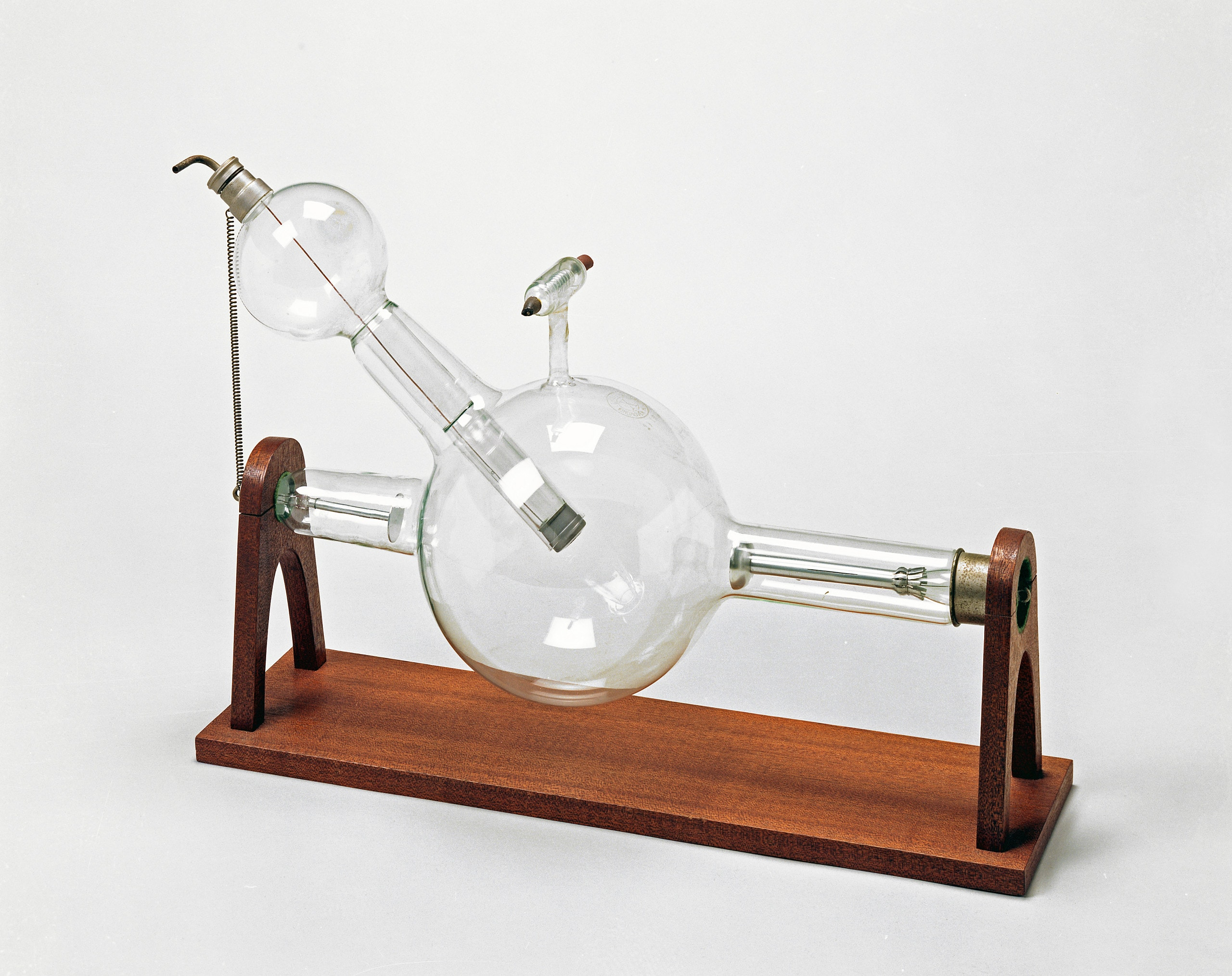 1918 – Philips first X-ray tube