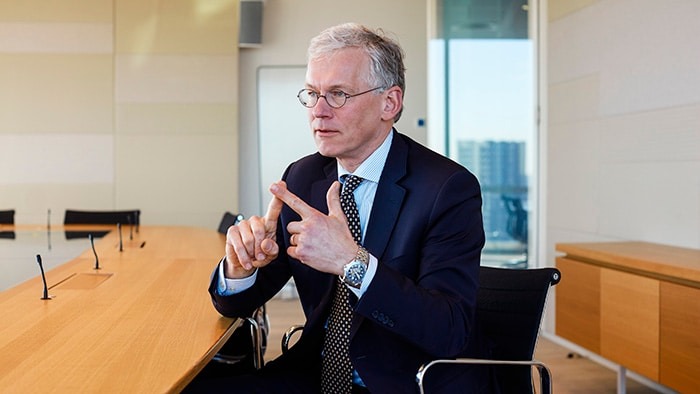 Frans van Houten discusses how to do business responsibly and sustainably