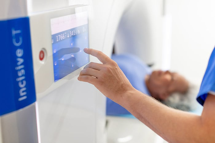 Download image (.jpg) Philips Incisive CT in use by tech operator